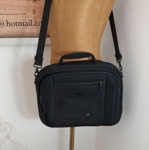 4/ $20 black laptop  travel bag. As is see photo.